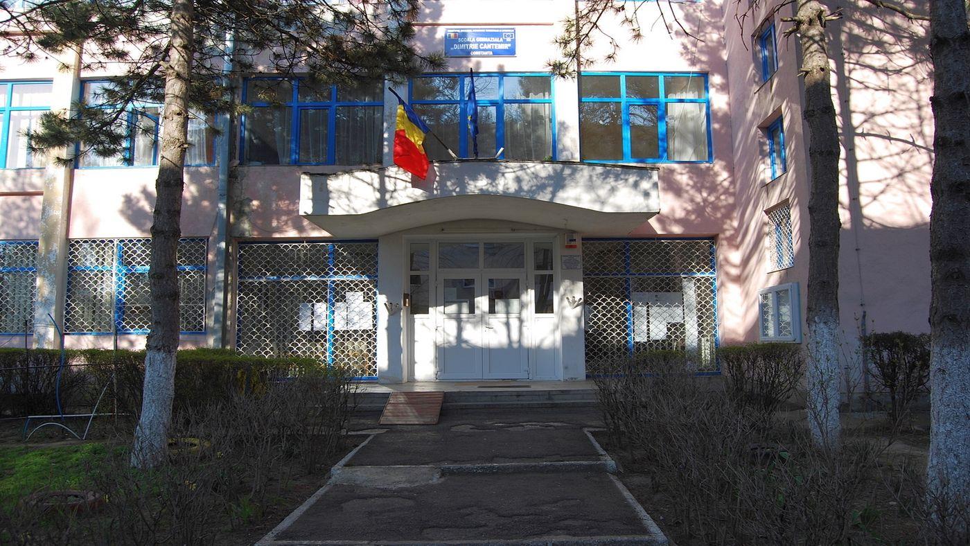 scoala 38
